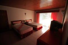 Binnenland van slaapkamer, bedchamber in hotel, zitstok in toevlucht van Asi Stock Foto