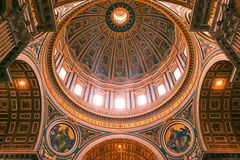Binnenland van St Peter Basiliek in Rome Royalty-vrije Stock Fotografie