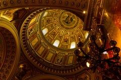Binnenland van St Stephen Basiliek in Boedapest, Hongarije Royalty-vrije Stock Foto's
