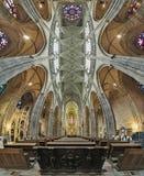 Binnenland van St Vitus kathedraal in Praag, Tsjechische Republiek Royalty-vrije Stock Foto's