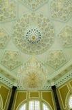 Binnenland van Ubudiah-Moskee in Kuala Kangsar, Perak, Maleisië royalty-vrije stock foto