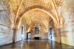 Binnenland van Vesting Borromeo van Angera of Rocca Di Anger, de Zaal van Rechtvaardigheid - Sala della Giustizia Is Kasteel van  royalty-vrije stock afbeeldingen