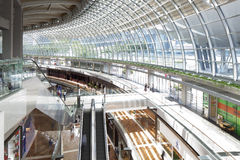 Binnenland van winkelcentrum in Marina Bay Sands Resort Stock Fotografie
