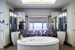 Binnenlands badkamersontwerp Royalty-vrije Stock Afbeeldingen