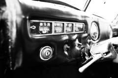 Binnenlands dashboard van een klassieke uitstekende auto Rebecca 36 Stock Foto