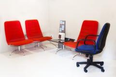 Binnenlands meubilair in bureau Stock Afbeelding