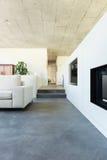 Binnenlands modern huis stock fotografie
