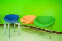 Binnenlands ontwerp van modern groen bureaumilieu Royalty-vrije Stock Foto