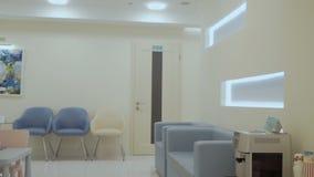 Binnenlands ontwerp van moderne kliniek stock video