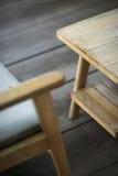 Binnenlands ontwerpdetail van retro houten meubilair Stock Afbeeldingen