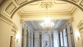Binnenlandse architectuur in National Bank van Roemenië stock footage