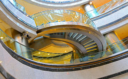 Binnenlandse architectuurwenteltrap Stock Afbeeldingen