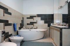 Binnenlandse badkamers Royalty-vrije Stock Afbeeldingen