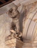 Binnenlandse Beeldhouwwerken in het Paleis van de Doge in Venetië stock afbeelding