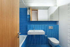 Binnenlandse, blauwe badkamers Royalty-vrije Stock Foto