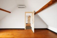 Binnenlandse flat Lege witte muur stock afbeeldingen