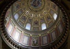 Binnenlandse Koepel in de Kathedraal van Boedapest Stock Afbeelding