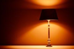 Binnenlandse lamp met warm licht royalty-vrije stock fotografie