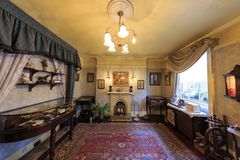 Binnenlandse mening van beroemd Sherlock Holmes Museum, Londen, stock foto's