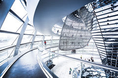 Binnenlandse mening van beroemde Reichstag-Koepel in Berlijn, Duitsland Royalty-vrije Stock Foto