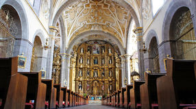 Binnenlandse mening van Kerk van Santo Domingo stock afbeelding