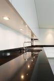 Binnenlandse, moderne keuken Stock Foto's