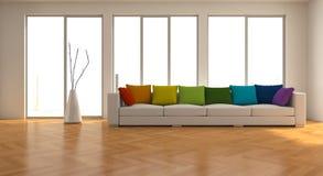 Binnenlandse ontwerp moderne heldere ruimte met witte bank en regenbooghoofdkussens Royalty-vrije Stock Foto's