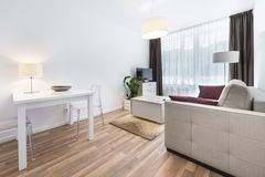 Binnenlandse ontwerpreeks: Moderne woonkamer Stock Afbeeldingen