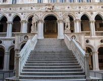 Binnenlandse Trap in het Paleis van de Doge in Venetië royalty-vrije stock afbeelding