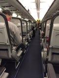 Binnenlandse vliegtuigmening tijdens een commerciële vlucht Stock Afbeelding
