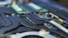 Binnenlaptop motherboard reparatiecervice v03 stock footage