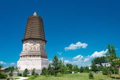 BINNENmongolië, CHINA - 08 Augustus 2015: Daming Pagoda (Damingta) bij Royalty-vrije Stock Foto's
