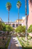 Binnenplaats in Alcazar, Sevilla, Andalucia, Spanje Stock Foto's