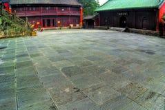 Binnenplaats bij Chinese tempel stock foto's