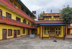 Binnenplaats in het dorp van dorpstashi ling, Nepal stock foto's