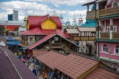 Binnenplaats in Izmaylovsky het Kremlin in Moskou Traditionele Rus stock foto's