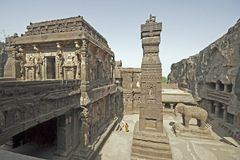 Binnenplaats van de Hindoese Tempel van de Rots Stock Afbeeldingen