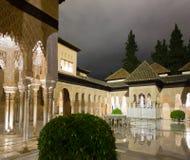 Binnenplaats van de Leeuwen in avondtijd, Alhambra royalty-vrije stock afbeeldingen