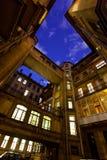 Binnenplaats van een huis bij nacht Heilige-Petersburg Rusland stock afbeeldingen