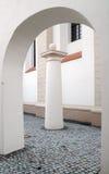 Binnenplaats van een kerk Royalty-vrije Stock Afbeelding