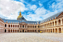 Binnenplaats van het hotel van Les Invalides. Parijs, Frankrijk. Royalty-vrije Stock Foto's