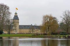 Binnenplaats van het kasteel van Karlsruhe, baden-WÃ ¼ rttemberg stock afbeeldingen