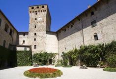 Binnenplaats van het kasteel van Montechiarugolo Royalty-vrije Stock Foto