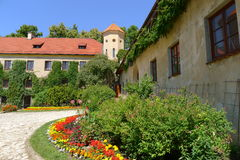 Binnenplaats van het kasteel van Pieskowa Skala Royalty-vrije Stock Afbeeldingen