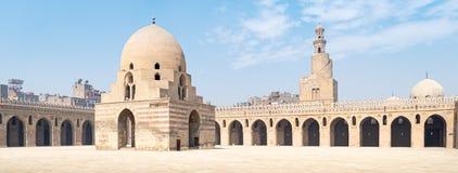 Binnenplaats van Ibn Tulun Mosque stock afbeelding