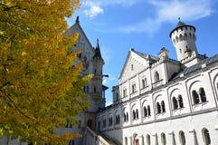 Binnenplaats van Neuschwanstein Stock Afbeeldingen