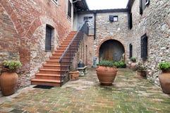 Binnenplaats van Toscaans milieutoerisme Stock Afbeeldingen
