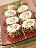 Binnenstebuiten de Broodjes van Sushi Stock Foto