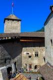Binnenwerf van Chillon-kasteel stock foto's
