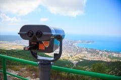 Binocolo con la visualizzazione meravigliosa, binocolo grigio per l'esame, litorale Fotografie Stock Libere da Diritti